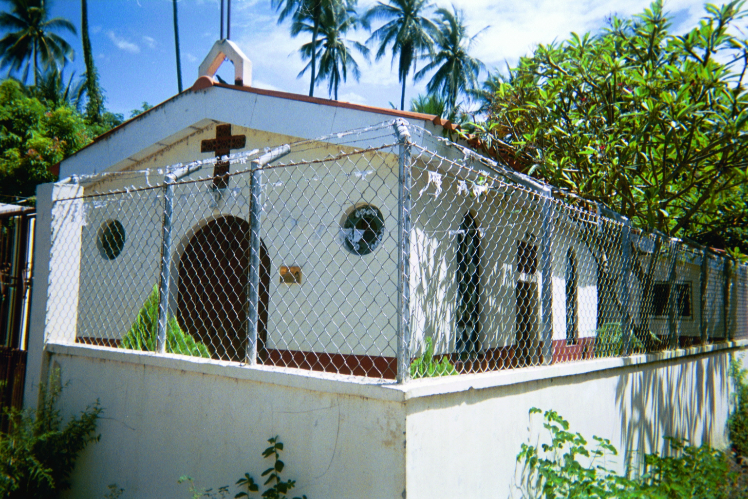Fenced in for Home design el salvador